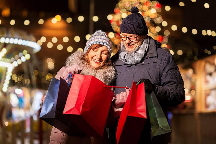'Tis the Season: 6 Reasons to Shop Local
